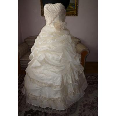 Plesové nebo svatební šaty - velikost M