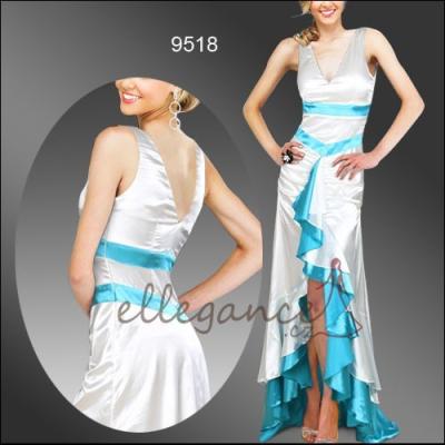 Saténové šaty s vlečkou