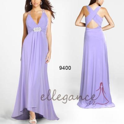 Fialkové šaty s vlečkou